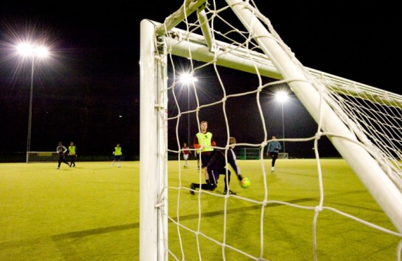 Astro-Turf-Pitch-Night-Football-800x532